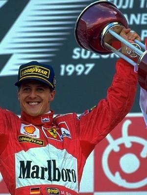Michael Schumacher pódio GP do Japão de 1997 Ferrari (Foto: Divulgação)