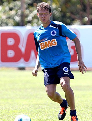 Keirrison no treino do Cruzeiro (Foto: Washington Alves / VIPCOMM)
