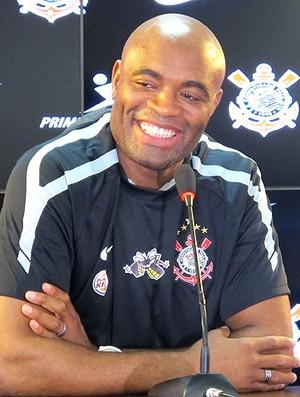 Anderson Silva é apresentado no Corinthians (Foto: Carlos Augusto Ferrari / GLOBOESPORTE.COM)