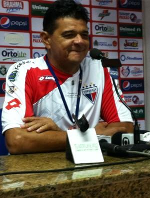 Júlio Araújo, novo técnico do Fortaleza (Foto: Roberto Ranulfo/Globoesporte.com)