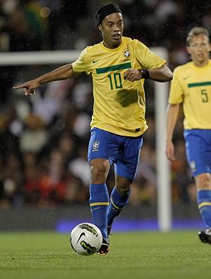 ronaldinho gaúcho brasil x gana (Foto: Mowa Press)
