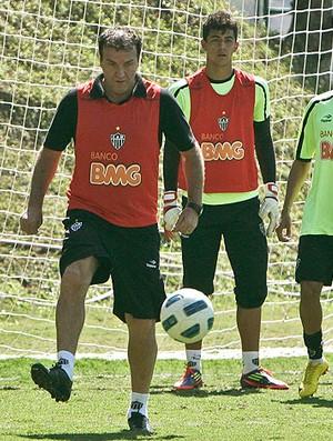 Cuca no treino do Atlético-MG (Foto: Bruno Cantini / Site Oficial do Atlético-MG)