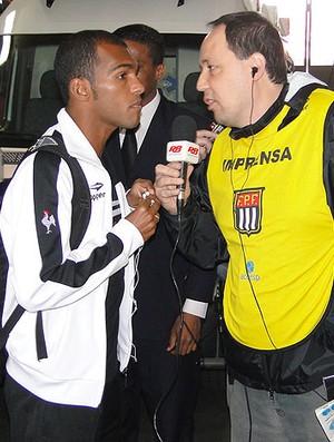 Richarlyson do Atlético-MG no desembarque no Morumbi (Foto: Leandro Simonini / Globoesporte.com)
