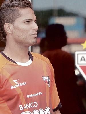 Anderson, zagueiro do Atlético-GO (Foto: Cristiano Borges/O Popular)
