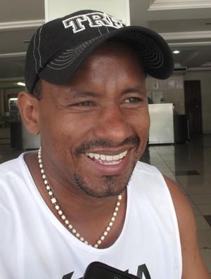 Velber, jogador do Sao Raimundo (Foto: Cahê Mota/Globoesporte.com)
