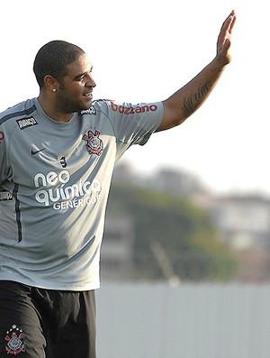 Adriano treino Corinthians (Foto: Ag. Estado)
