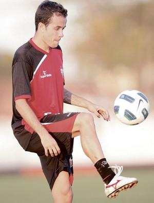 Rafael Cruz, lateral-direito do Atlético-GO (Foto: Cristiano Borges/O Popular)