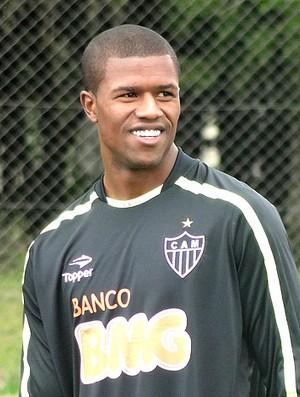Carlos Cesar no treino do Atlético-MG no Sul (Foto: Marco Antônio Astoni / Globoesporte.com)
