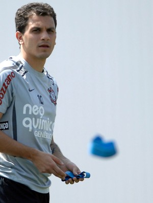 Fabio Santos no treino do Corinthians (Foto: Mauro Horita/Agência Estado)