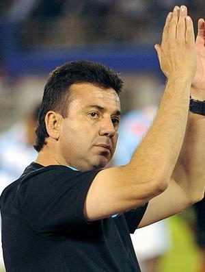 Julio Baldivieso técnico do Aurora (Foto: Reuters)