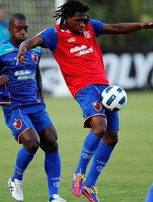 Diego Mauricio treino Flamengo (Foto: VIPCOMM)
