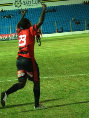 Kléber Pereira comemora gol pelo Moto Club (Foto: Divulgação/Moto Club)