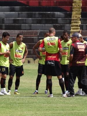 Treino do Sport (Foto: Lula Moraes / GLOBOESPORTE.COM)