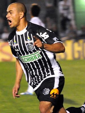 julio cesar figueirense gol américa-mg (Foto: Petra Mafalda / Agência Estado)