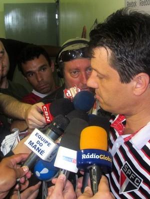 Adilson Batista (Foto: Marcelo Prado/GLOBOESPORTE.COM)