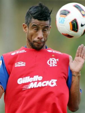 Leo Moura no treino do Flamengo (Foto: Mauricio Val/Vipcomm)