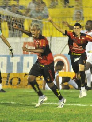Sport e Salgueiro (Foto: Aldo Carneiro/GLOBOESPORTE.COM)