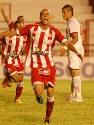 Derley - Náutico (Foto: Antonio Carneiro/GLOBOESPORTE.COM)