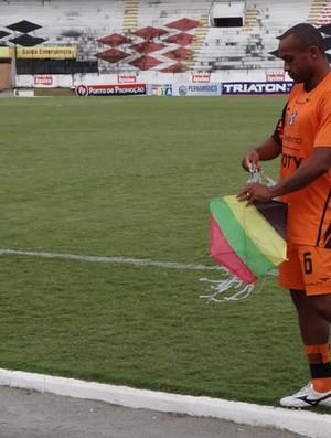 Weslley - Santa Cruz (Foto: Bruno Marinho/GloboEsporte.com)