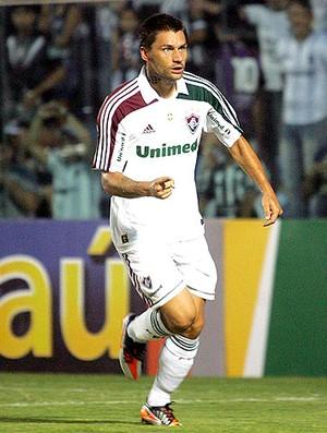 Rafael Sobis comemoram gol do Fluminense (Foto: Agência Photocâmera)