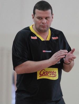 Márcio Azevedo, Vila Velha Basquete Sub-21 (Foto: Célio Messias/LNB)