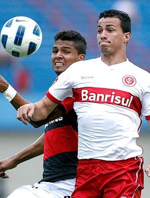 Leandro Damião do Internacional no jogo contra o Atlético-GO (Foto: Ueslei Marcelino / Reuters)