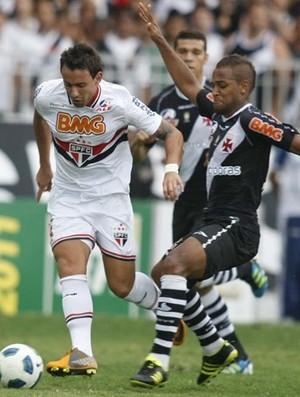 Cañete pouco jogou contra o Vasco e se machucou (Foto: Rubens Chiri / Site oficial do São Paulo FC)