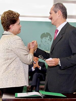 Dilma ministro dos esportes Aldo Rebelo (Foto: Roberto Stucket Filho / Planalto)