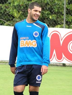 Ortigoza no treino do Cruzeiro (Foto: Lucas Catta Prêta / GLOBOESPORTE.COM)