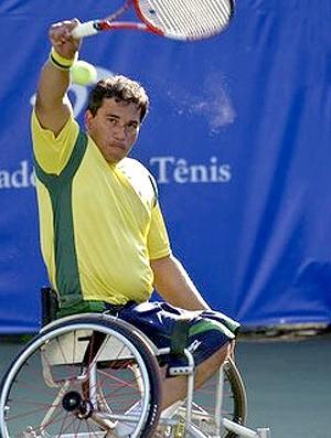 Jordan na partida de tênis de cadeira de rodas para o Parapan (Foto: Poapress / CPB)