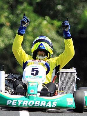 Felipe Guimarães é bicampeão da Seletiva de Kart, em Registro (Foto: Fabio Oliveira/Divulgação)