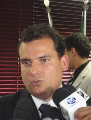 andré pitta, presidente da federação goiana de futebol (Foto: Fernando Vasconcelos/GLOBOESPORTE.COM)
