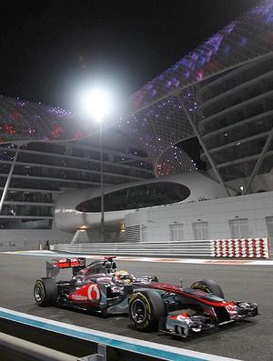 Hamilton no treino da F-1 em Abu Dhabi (Foto: Getty Images)