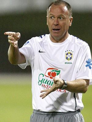 mano menezes brasil treino (Foto: Mowa Press)