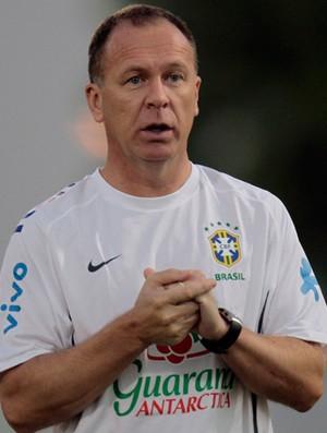 mano menezes brasil treino (Foto: Agência Reuters)