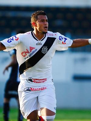 Ricardo de jesus ponte preta gol ABC (Foto: Marcos Ribolli / Globoesporte.com)