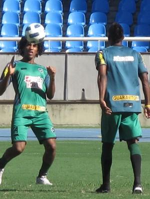 Cortês  Maicosuel botafogo (Foto: Thales Soares/GLOBOESPORTE.COM)