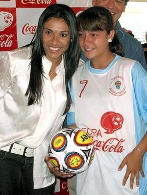 Marta encontra com Daniela durante evento (Foto: Fábio Leme / Globoesporte.com)
