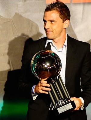 Montillo no Troféu Bola de prata (Foto: Marcos Ribolli/Globoesporte.com)