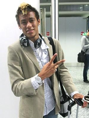 Neymar na escala do Santos na Alemanha (Foto: Adilson Barros / GLOBOESPORTE.COM)