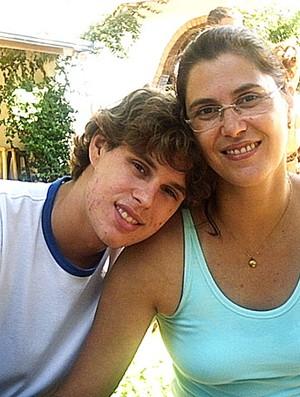 Bruninho com a mãe Vera Mossa (Foto: Divulgação / Arquivo Pessoal)