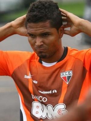 Anderson, zagueiro do Atlético-GO (Foto: Renato Conde/O Popular)