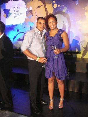 Aline Ferreira e o namorado, no Prêmio Brasil Olímpico (Foto: Adriano Albuquerque / SporTV.com)