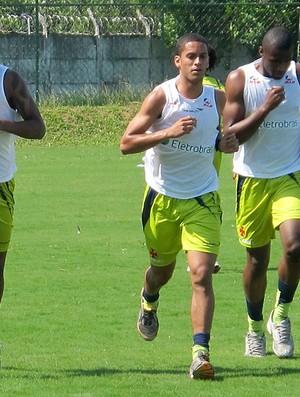 Rômulo, Dedé e Conrado no treino do Vasco (Foto: Thiago Fernandes / GLOBOESPORTE.COM)