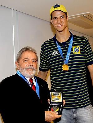 Renan Buiatti com o ex-presidente Lula (Foto: Divulgação)