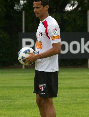Cícero ainda não sabe se vai começar 2012 como titular (Foto: Luiz Pires / VIPCOMM)