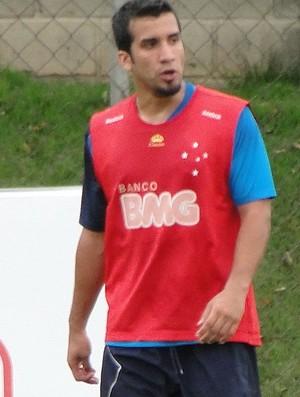 Victorino, zagueiro do Cruzeiro (Foto: Marco Antônio Astoni/Globoesporte.com)