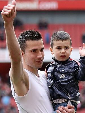 Robin Van Persie com o filho (Foto: Getty Images)