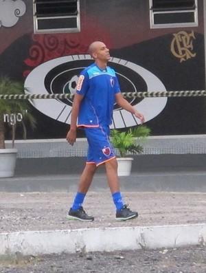 Alex Silva que treinou a parte caminha sozinho (Foto: Janir Junior/Globoesporte.com)