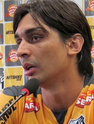 Vinicius Simon coletiva Santos (Foto: Gustavo Serbonchini / Globoesporte.com)